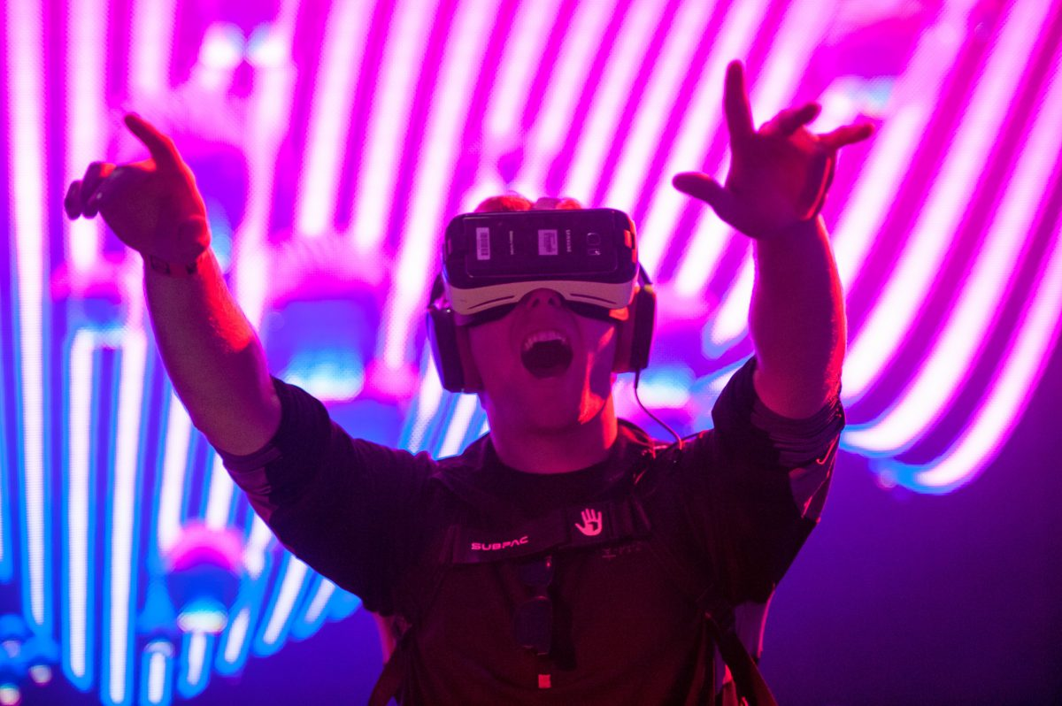 Virtual rave veterans complain that the virtual scene ain't the same anymore